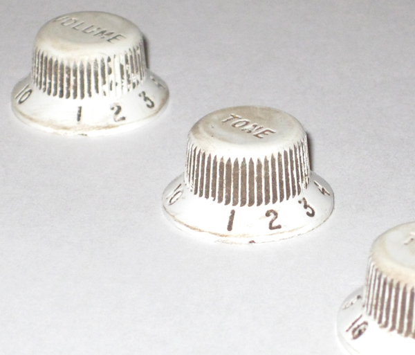 Relic - Aged White Stratocaster Knobs